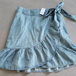 NWOT Gap Denim Ruffled Wrap Mini Skirt w/ Pockets
